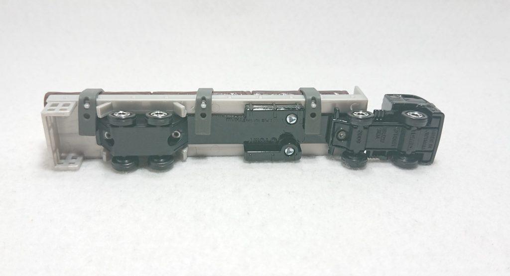 DSC 0004 scaled - 【トミカ】125:いすゞ木材運搬車を購入しました!