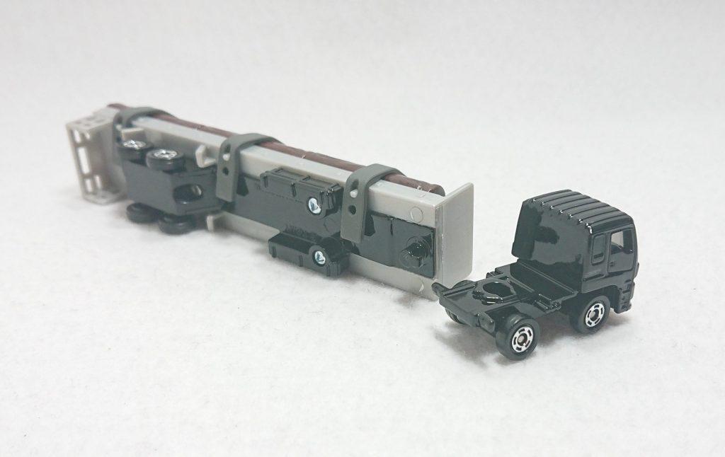 DSC 0005 scaled - 【トミカ】125:いすゞ木材運搬車を購入しました!