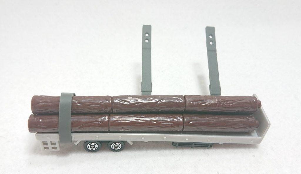 DSC 0007 scaled - 【トミカ】125:いすゞ木材運搬車を購入しました!