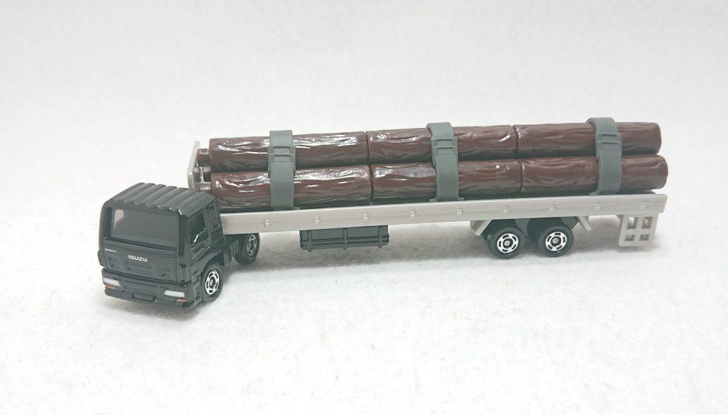 DSC 0011 scaled - 【トミカ】125:いすゞ木材運搬車を購入しました!