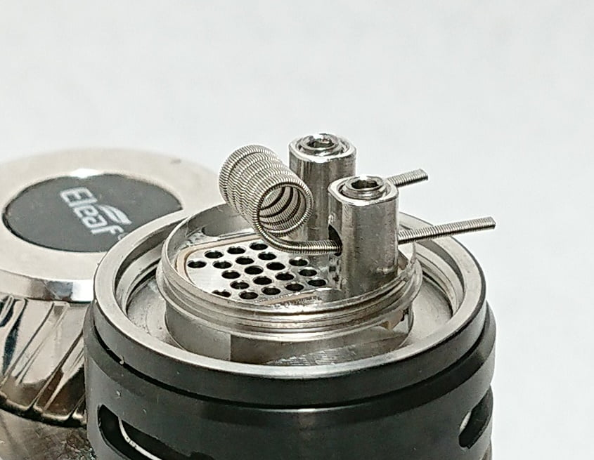DSC 0058 - 【WOTOFO】nexMESH Pro Tankをレビュー!~コイルが特徴的なクリアロ!RBAデッキを使えばRTAとしても使えるタンク~