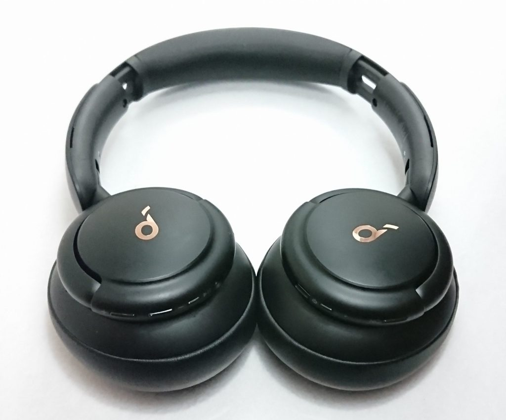 DSC 0849 scaled - 【究極のノイキャン?】Soundcoreシリーズのヘッドホンとイヤホンでノイズをシャットアウトした結果…