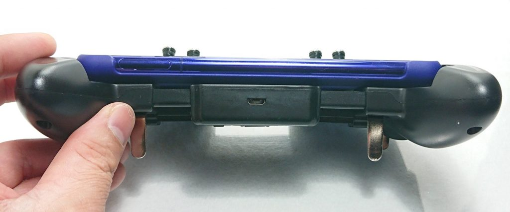 DSC 0969 scaled - トリガーが4本付いたスマホ用コントローラーをレビュー!~高いだけあるが、慣れが必要~